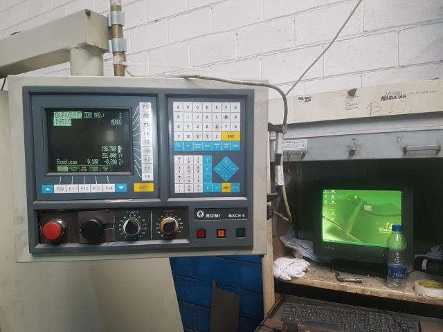 Centro de Usinagem CNC Usado Romi 4022 VENDIDO
